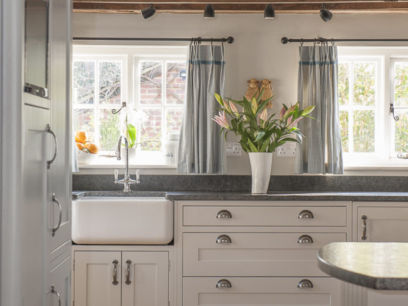 classic cottage kitchen with belfast sink