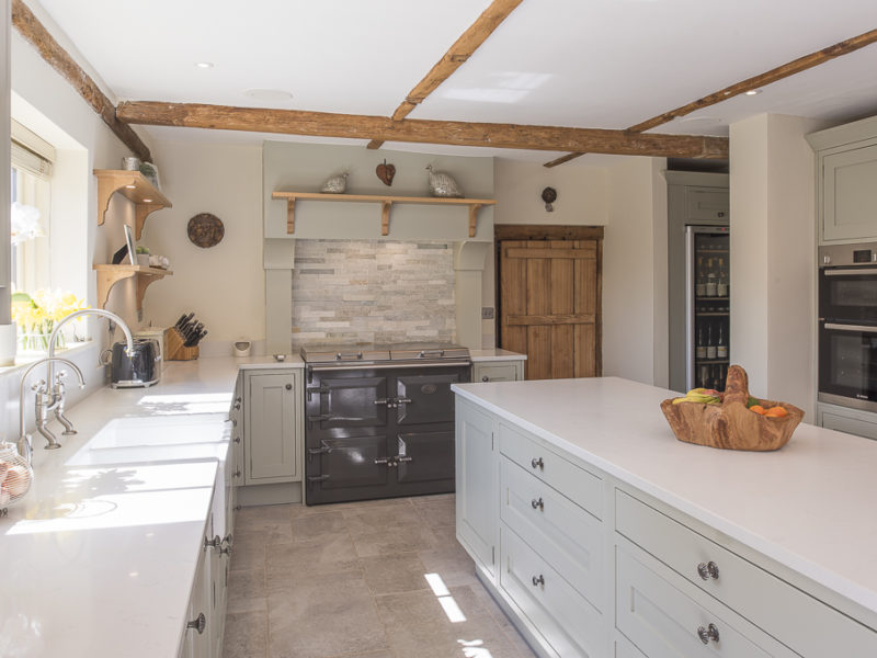 farmhouse kitchen with range cooker